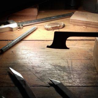 Archet classique pour violoncelle.